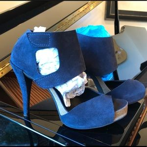 NWOT Pedro Garcia suede sandals